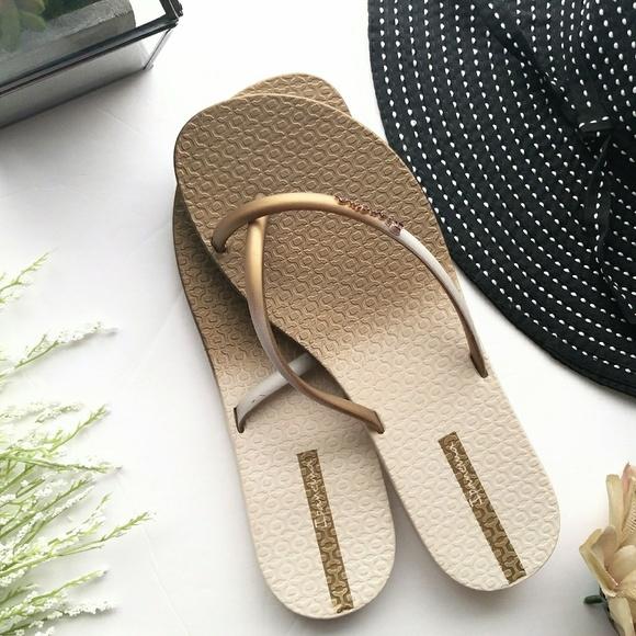 5368736a39a5 Ipanema Sandals Gold Criss Cross Flip Flop 7
